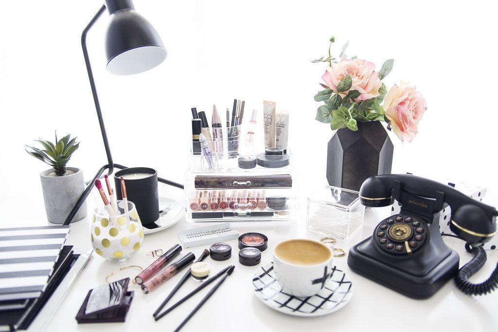 Beauty Blogger 007